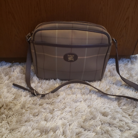 Burberry Handbags - Vintage Burberry crossbody